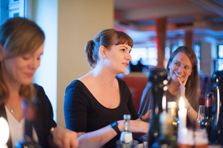 Netzwerken und Livemarketing als nachhaltiges Event. KonzeptFuchs organisiert seit dem Sommer 2015 regelmäßig Veranstaltungen für Dresdner Unternehmerinnen.